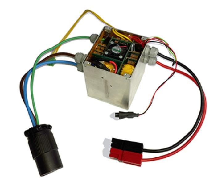 """Einphasiger Wechselrichter mit 2 kW und 0,64 l Volumen für die """"Little Box Challenge"""" (Wettbewerb 2014/15 von Google und IEEE) (c)"""