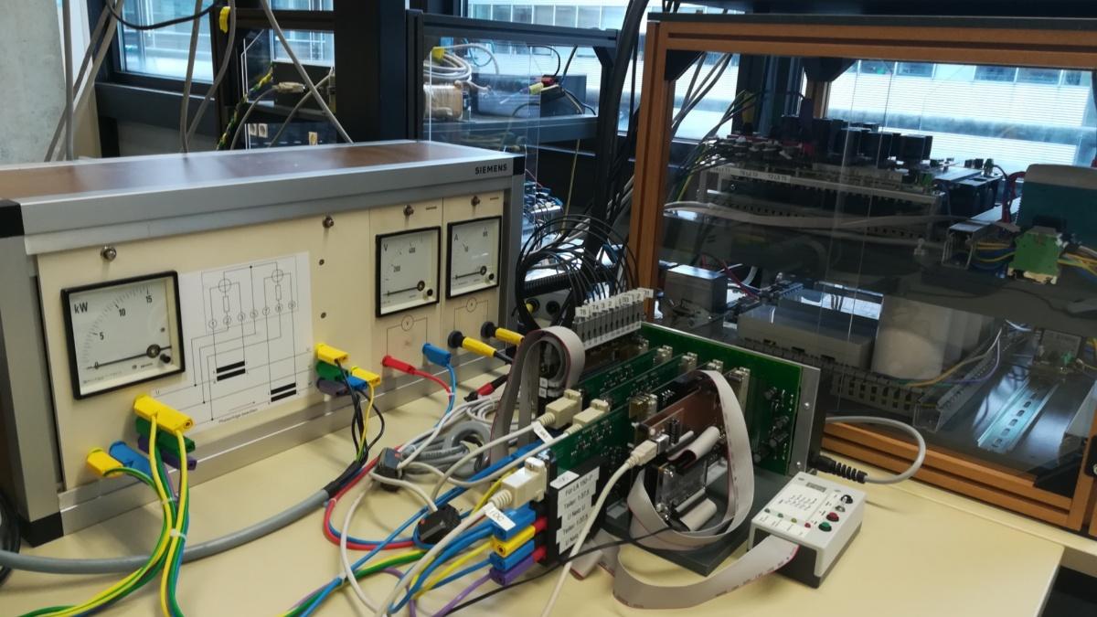 Gesamtaufbau eines Elektrolysegleichrichters in Paralleltopologie  (c)
